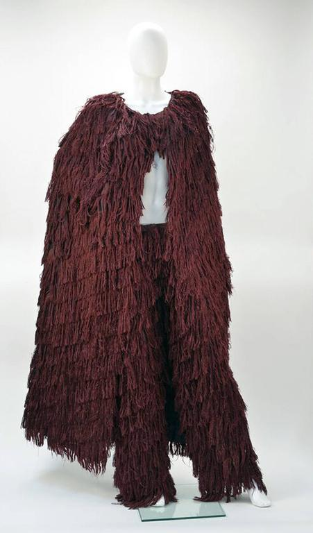 Mila Schon Burgundy Silk Fringe Cape with Matching Fringe Pants In Good Condition In Houston, TX