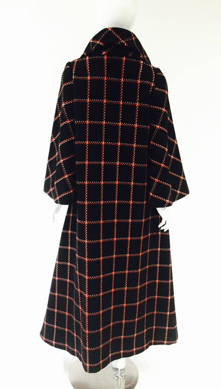 1970s Pauline Trigere Black and Red Plaid Wool Cape and Skirt  For Sale 2
