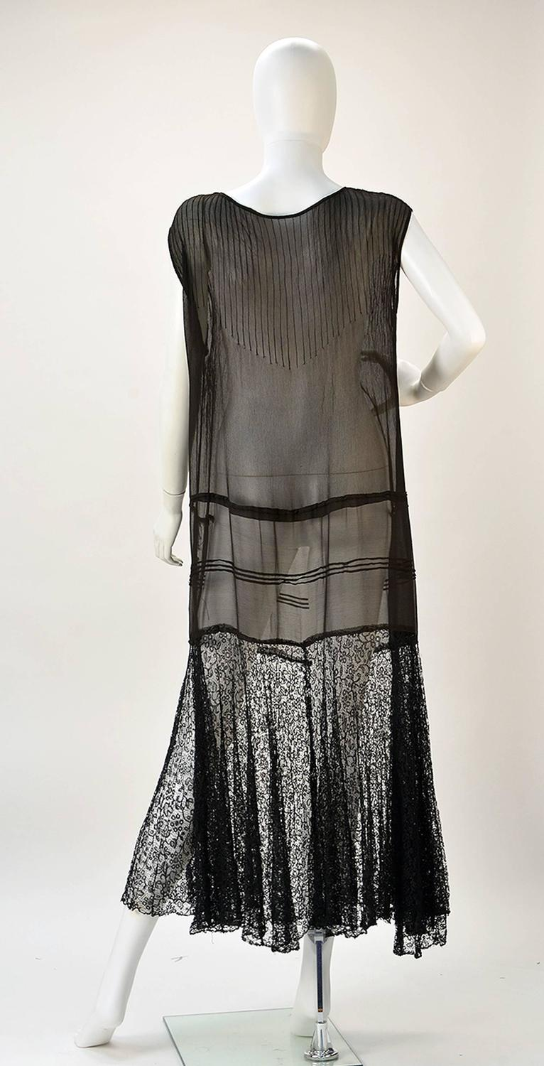 1920s chiffon drop waist quotflapperquot dress with black lace