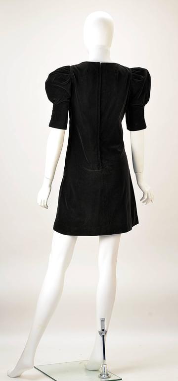 1960s Biba Black Velvet Formal Mini Dress In Excellent Condition For Sale In Houston, TX