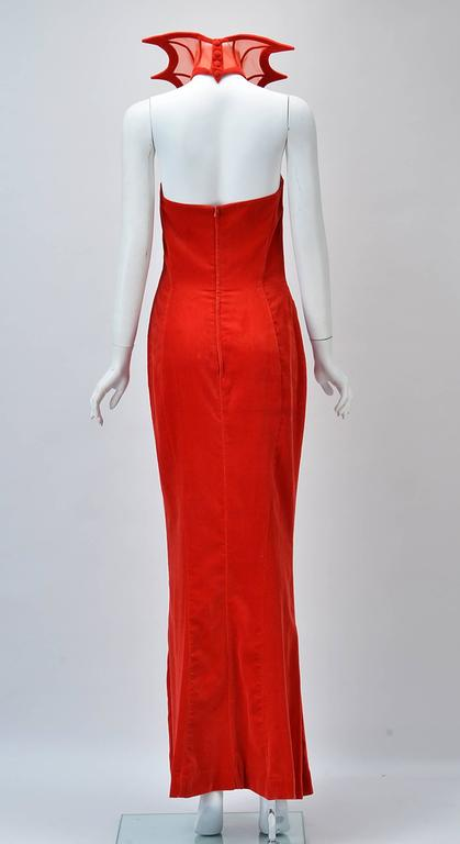 "Rare 1980s Thierry Mugler Red Velvet Gown, ""The Kiss of the Spider-woman"" In Good Condition For Sale In Houston, TX"