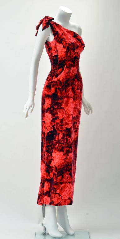 Women's 1960s Betty Carol Mam'Selle Red Floral Velvet Dress For Sale