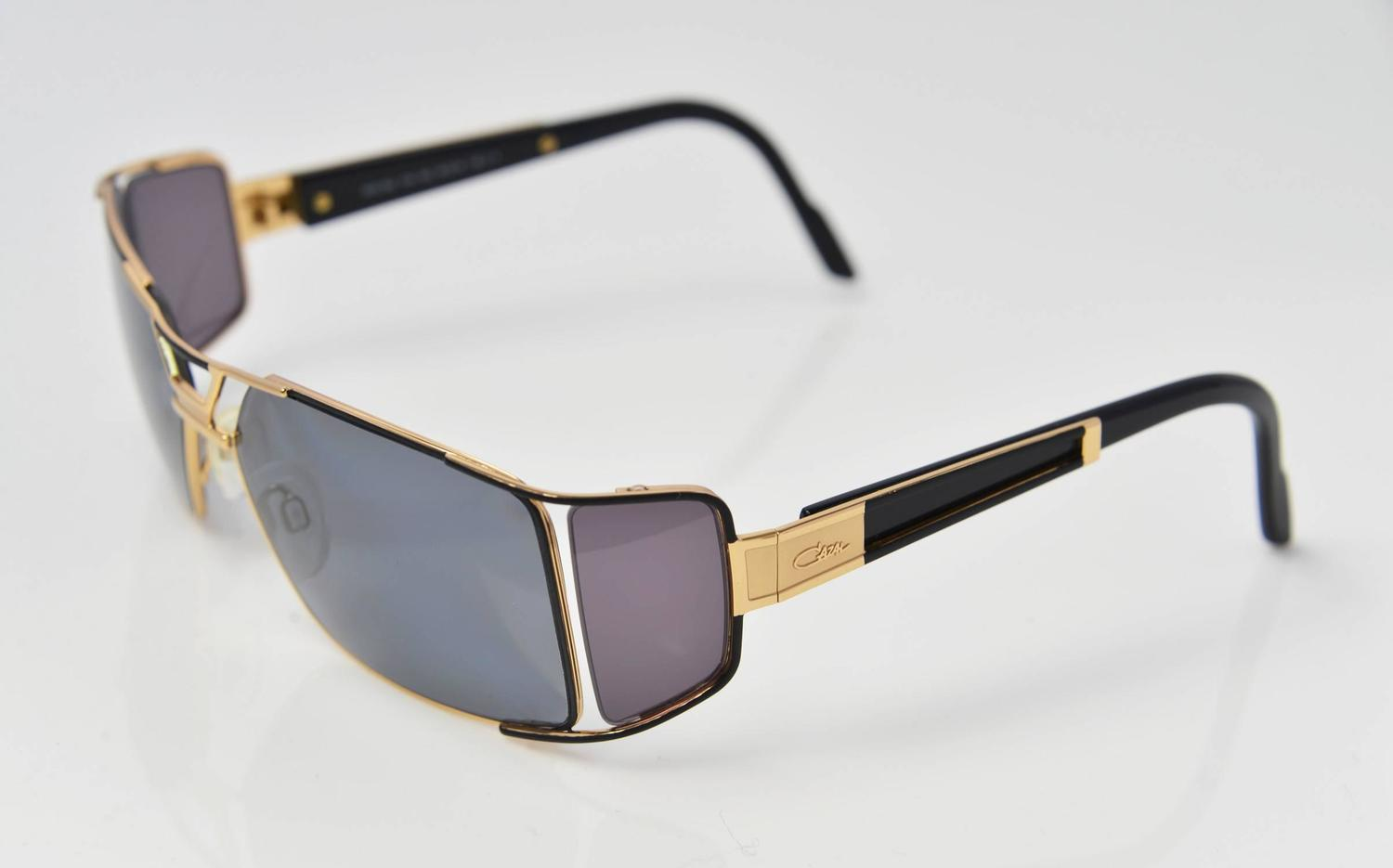 ef2a73b66686 Black Sunglasses With Gold Sides