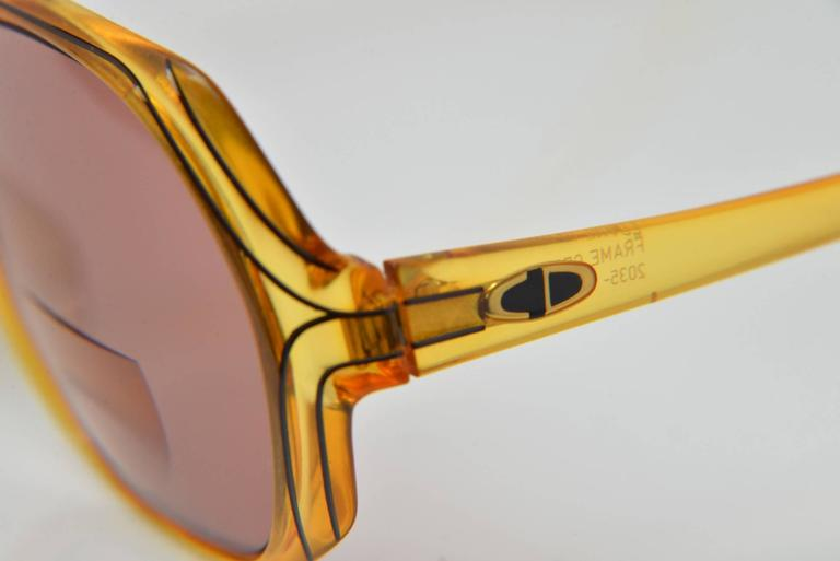 1970s Christian Dior Optyl Round Honey Sunglasses Frame Number 2035 In Good Condition For Sale In Houston, TX