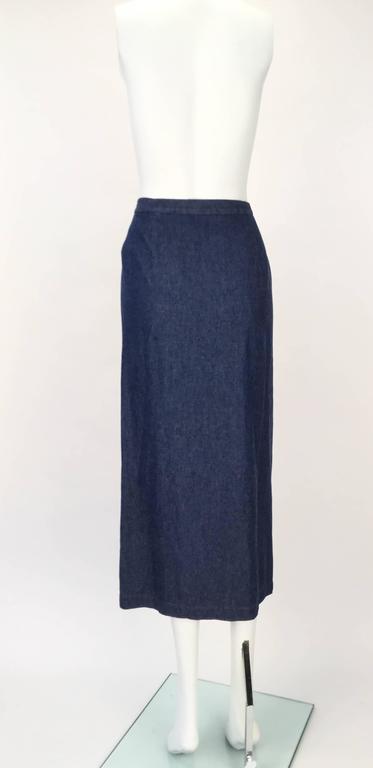 1970s Geoffrey Beene Dark Wash Denim Midi Skirt  In Good Condition For Sale In Houston, TX