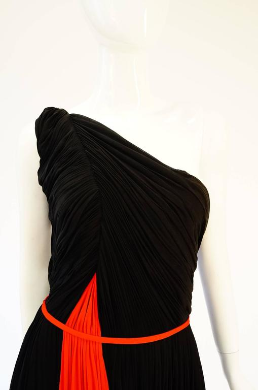 Important 1940s Madame Grès Grecian Goddess Silk Knit Gown in Black and Red In Excellent Condition For Sale In Houston, TX