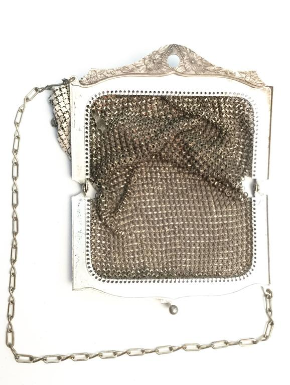 1920s Whiting and Davis Floral Enamel Mesh Purse In Excellent Condition For Sale In Houston, TX