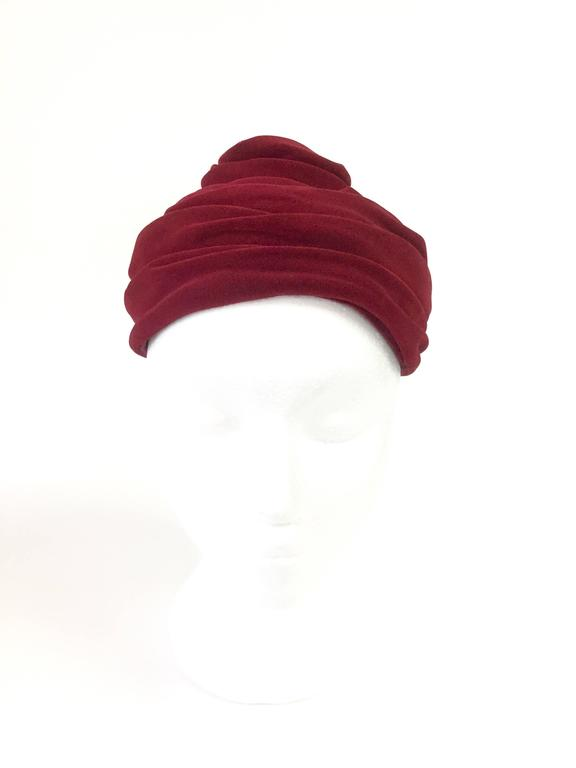 Brown 1940s Miss Sally Victor Red Velvet Rose Toque Evening Hat For Sale