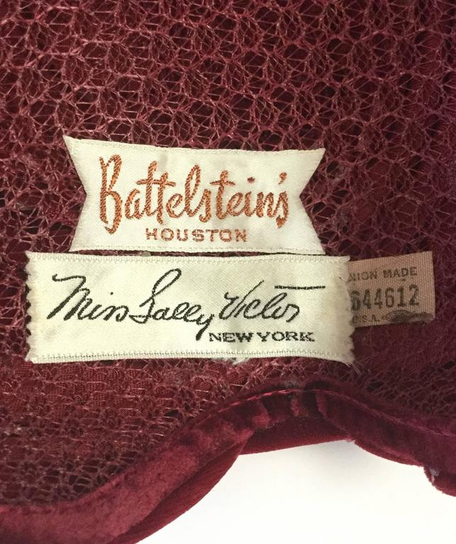 1940s Miss Sally Victor Red Velvet Rose Toque Evening Hat For Sale 2