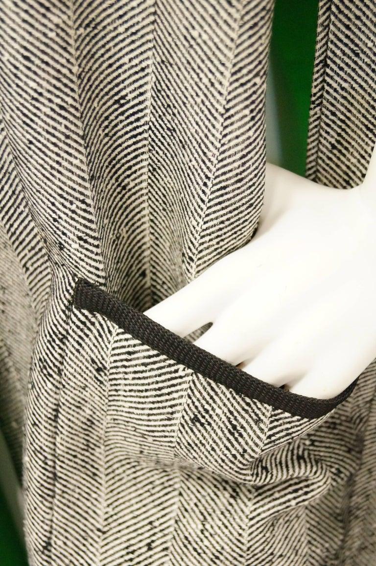Women's 1960s Herringbone Cape w/ Apple Green Lining For Sale
