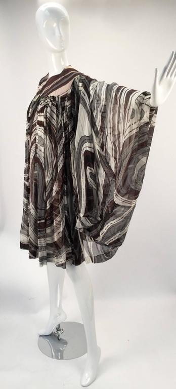 1960s Donald Brooks Swirl Print Batwing Dress For Sale 1