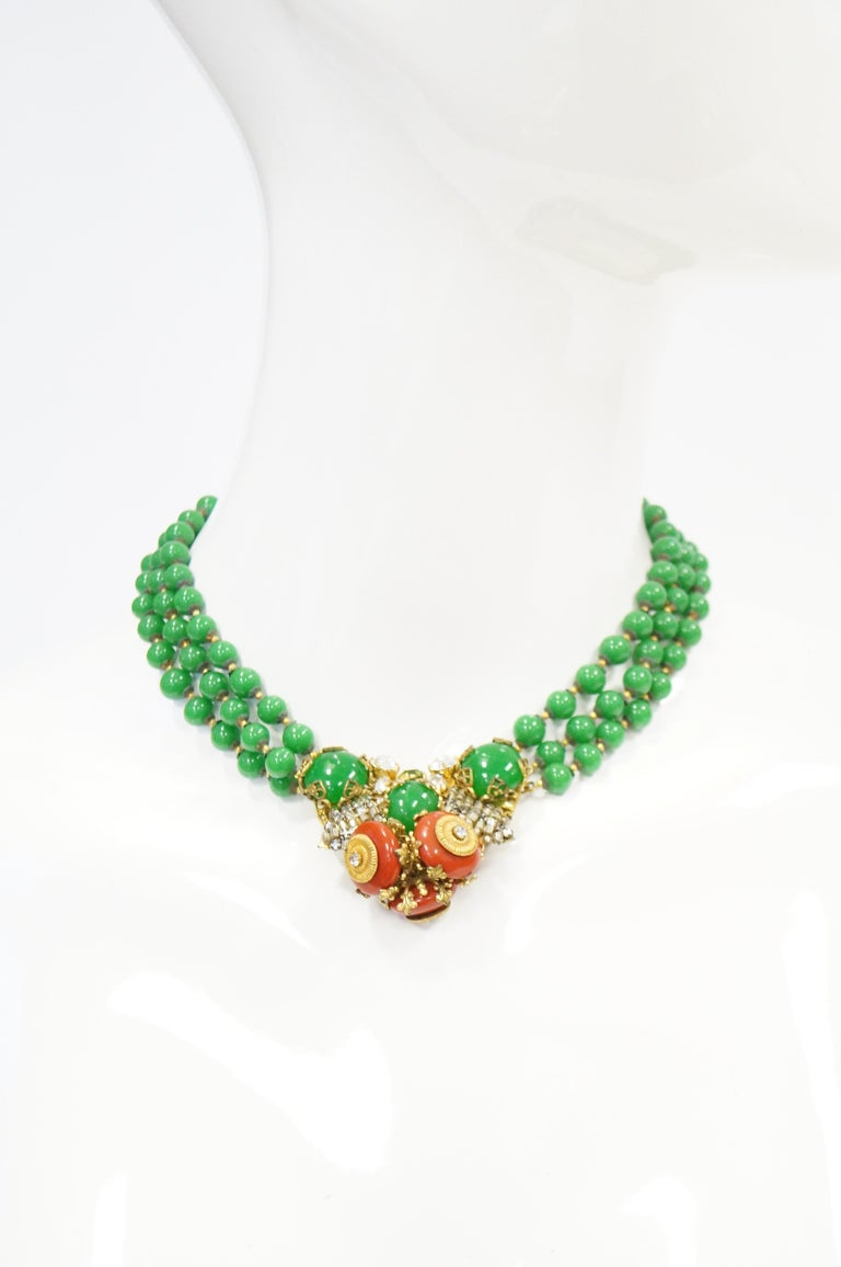 1950s Miriam Haskell Green and Umber Glass and Rhinestone Floral Choker For Sale 6