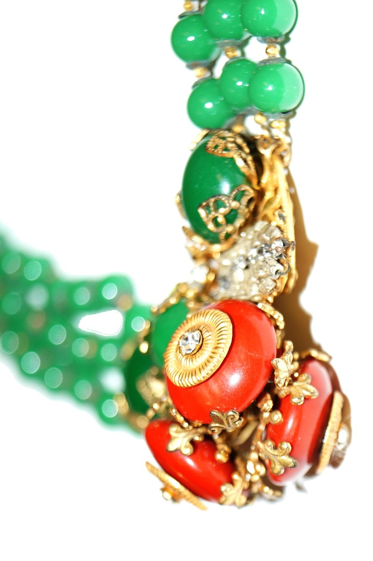 Women's or Men's 1950s Miriam Haskell Green and Umber Glass and Rhinestone Floral Choker For Sale