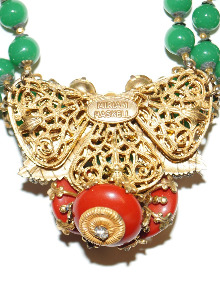 1950s Miriam Haskell Green and Umber Glass and Rhinestone Floral Choker For Sale 5