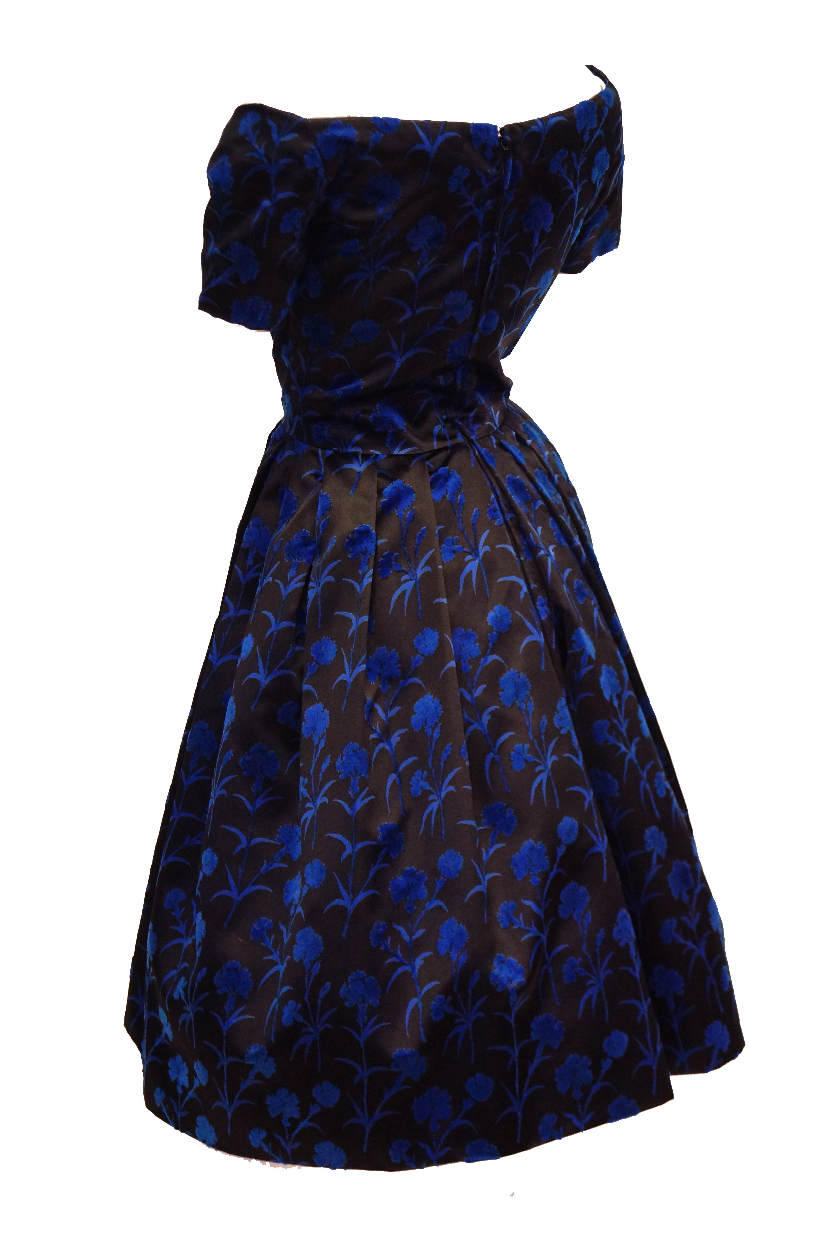 3a05f8d3d3f Important 1950s Christian Dior Couture Blue and Black Silk and Velvet New  Look Dress For Sale at 1stdibs
