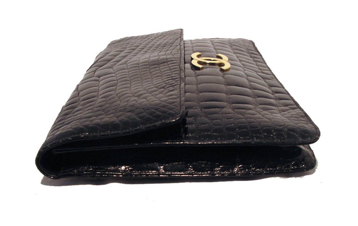 Chanel Black Alligator Oversized Clutch With Chain Strap 3