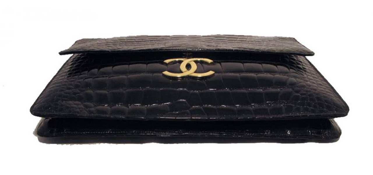 Chanel Black Alligator Oversized Clutch With Chain Strap 4