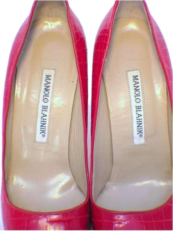 Manolo Blahnik Red Alligator High Heel Pumps Size 6.5-7 For Sale 2