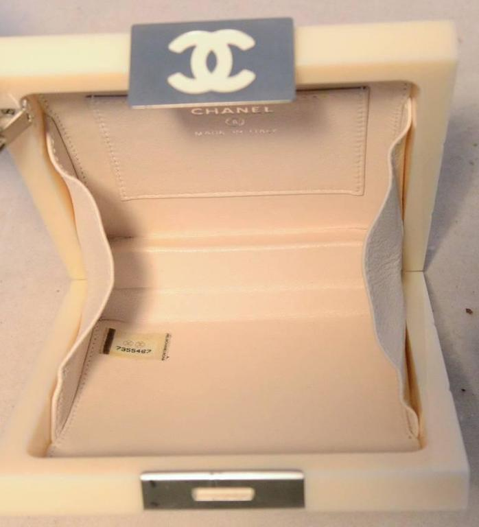 RARE Chanel Cream Resin Box Clutch Wristlet 6