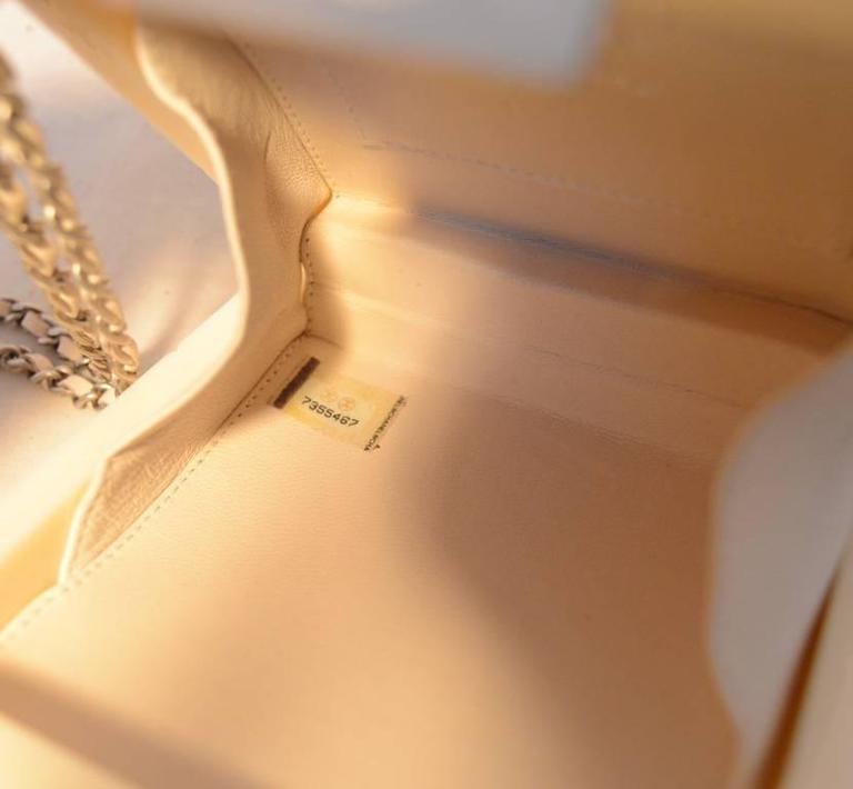 RARE Chanel Cream Resin Box Clutch Wristlet 8