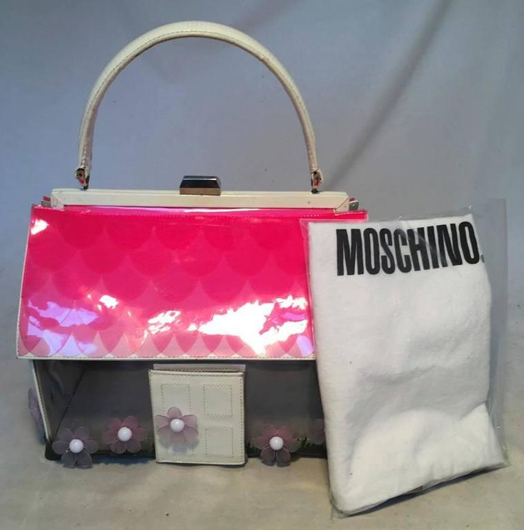 Vintage RARE Moschino Patent Leather House Handbag  For Sale 5