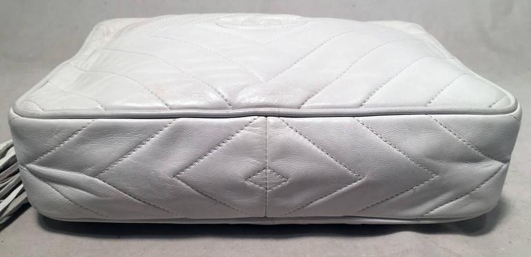 Chanel Vintage White Leather Tassel Detail Shoulder Bag In Good Condition In Philadelphia, PA