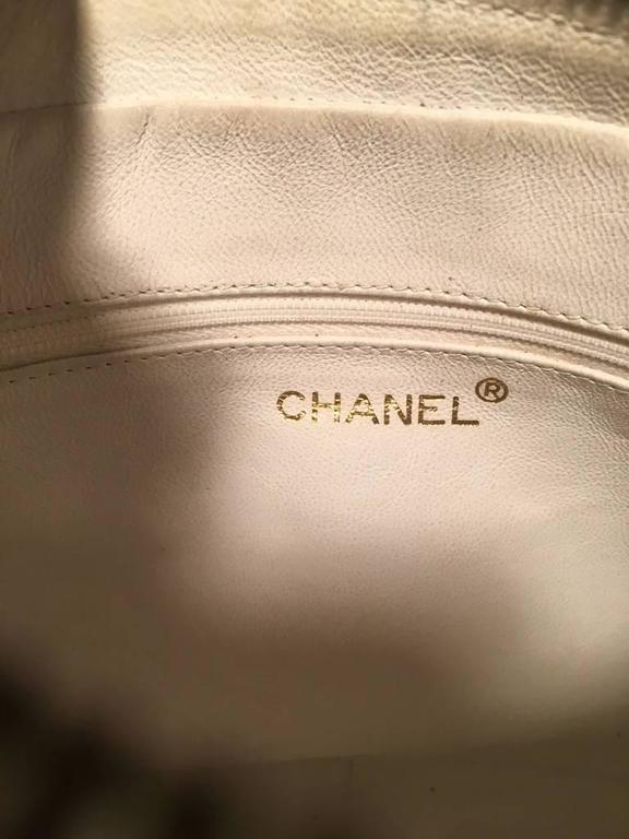 Chanel Vintage White Leather Tassel Detail Shoulder Bag 3