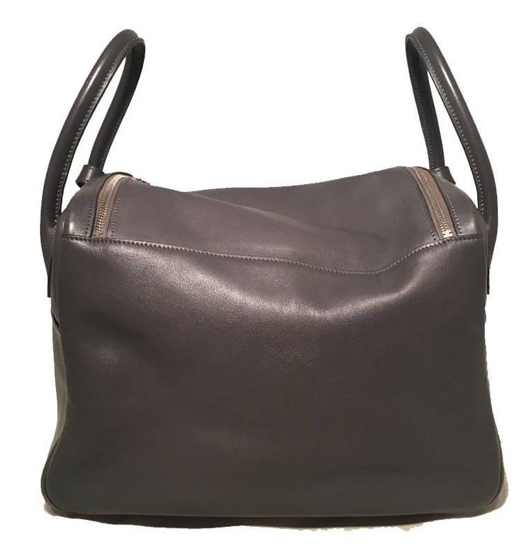 Hermes Grey Swift Leather Lindy Bag In Good Condition In Philadelphia, PA