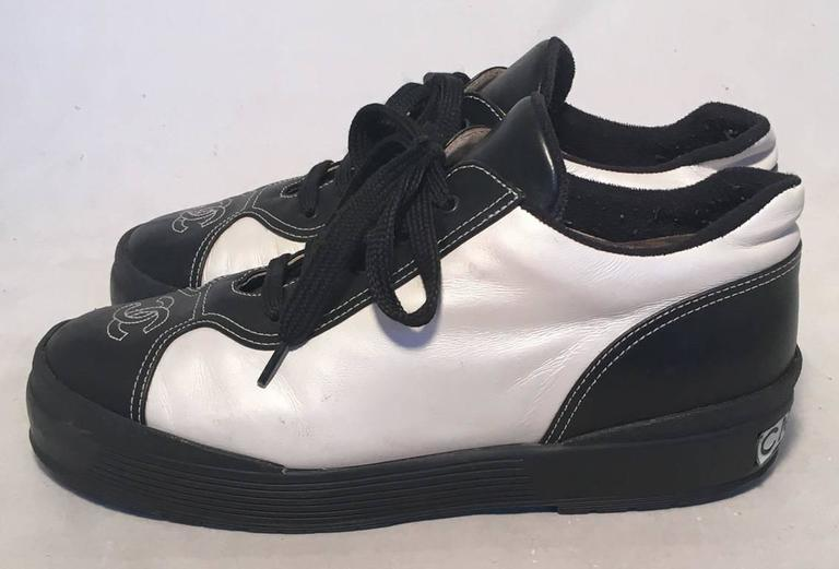Chanel Black and White Leather Women's Sneakers, Size 40 3