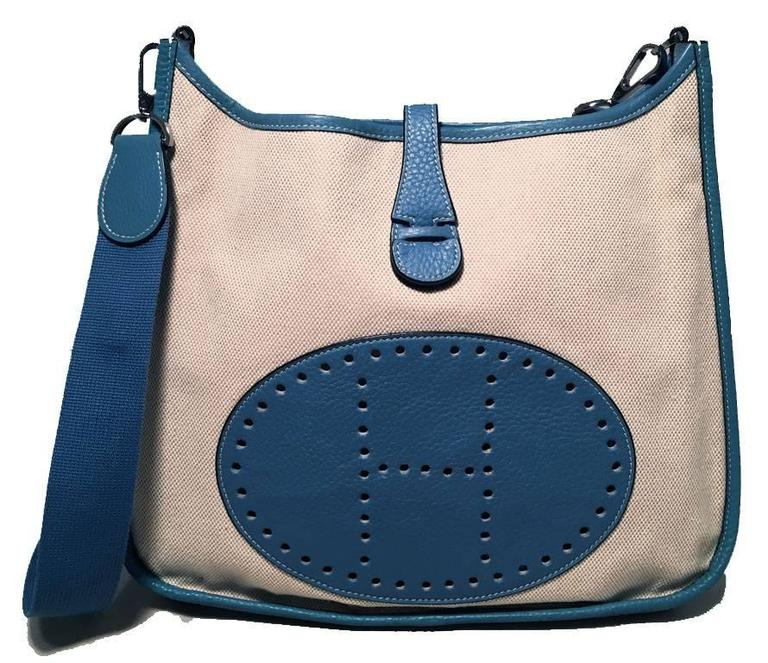Hermes Toile Canvas and Blue Leather Medium Evelyne II PM Bag  For Sale 4
