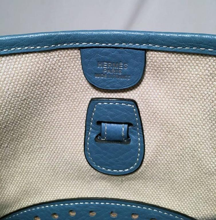 Hermes Toile Canvas and Blue Leather Medium Evelyne II PM Bag  For Sale 2