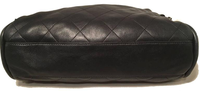 Women's Chanel Quilted Black Leather Fold Over Top Flap Shoulder Bag For Sale