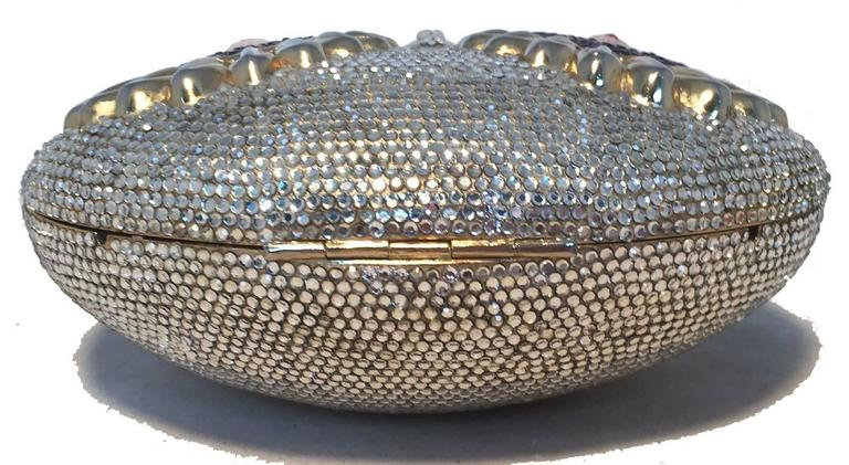 RARE Judith Leiber Swarovski Crystal Owl Head Minaudiere Evening Bag In Excellent Condition For Sale In Philadelphia, PA