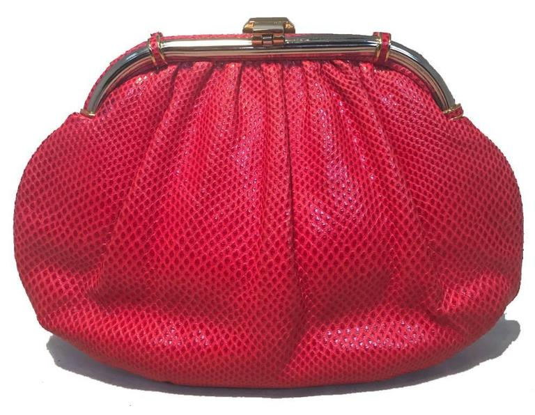 Judith Leiber Vintage Red Lizard Leather Clutch In Excellent Condition For Sale In Philadelphia, PA