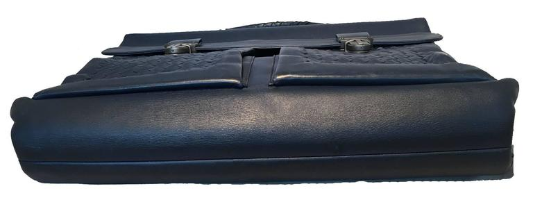 Bottega Veneta Navy Blue Leather Briefcase In Excellent Condition For Sale In Philadelphia, PA
