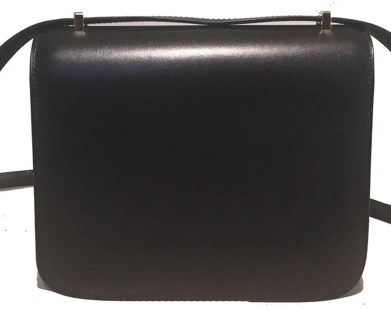 Hermes 18cm Mini Black Box Calf Constance Shoulder Bag In Excellent Condition For Sale In Philadelphia, PA