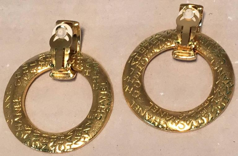 Chanel Vintage Gold Hoop Two Way Earrings In Excellent Condition For Sale In Philadelphia, PA