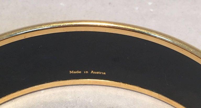 Women's Hermes Vintage Red and Blue Horse Print Enamel Bangle Bracelet For Sale