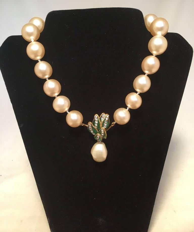 RARE Chanel Pearl and Enamel Necklace and Bracelet Set Presentation Box 4
