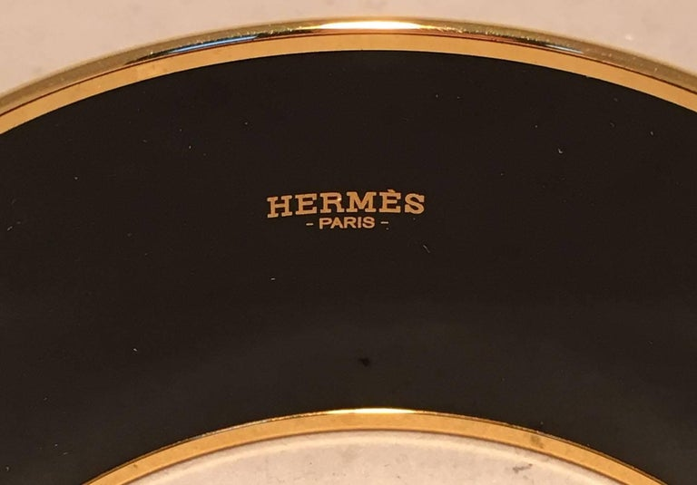 Hermes Zig Zag Black and White Gold Enamel Bangle Bracelet  For Sale 2