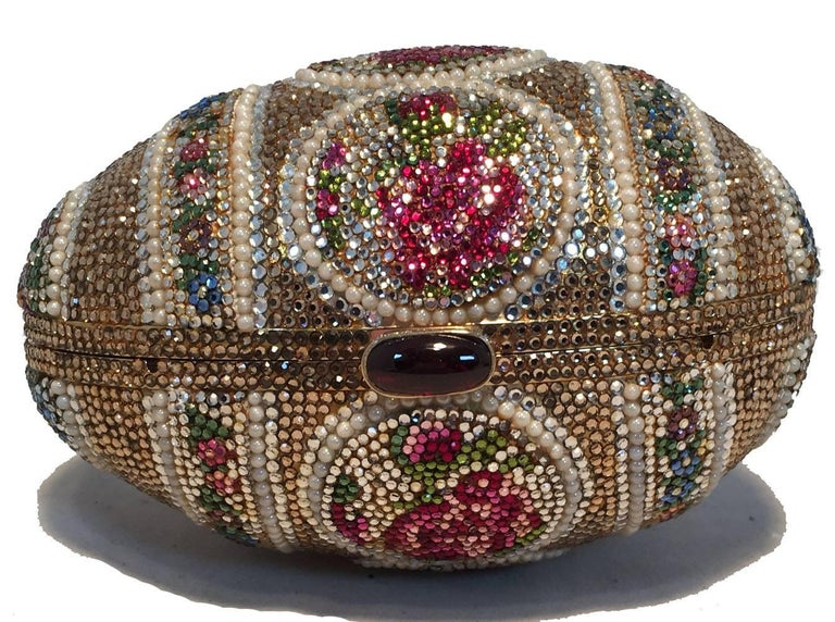 Judith Leiber Pearl Egg Swarovski Crystal Minaudiere Evening Bag In Excellent Condition For Sale In Philadelphia, PA