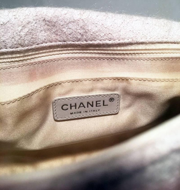 Chanel White Wool and Fur Patchwork Classic Flap Shoulder Bag For Sale 3