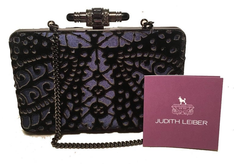 Judith Leiber Navy Blue Black Velvet Cut Out Evening Bag Clutch For Sale 4
