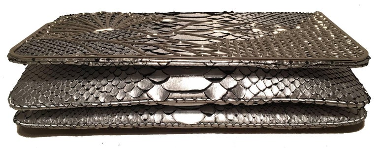 Judith Leiber Silver Faux Snakeskin Python Clutch In Excellent Condition For Sale In Philadelphia, PA