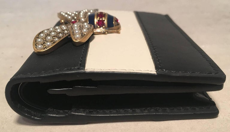 7c260294540d Black NWOT Gucci Small Navy and Cream Striped Leather Embellished Bee Wallet  For Sale