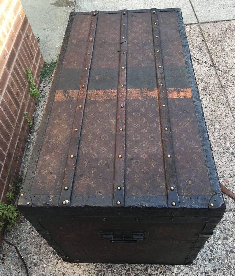 LOUIS VUITTON Antique Steamer Trunk with Orange Green Stripe c1900 For Sale 2