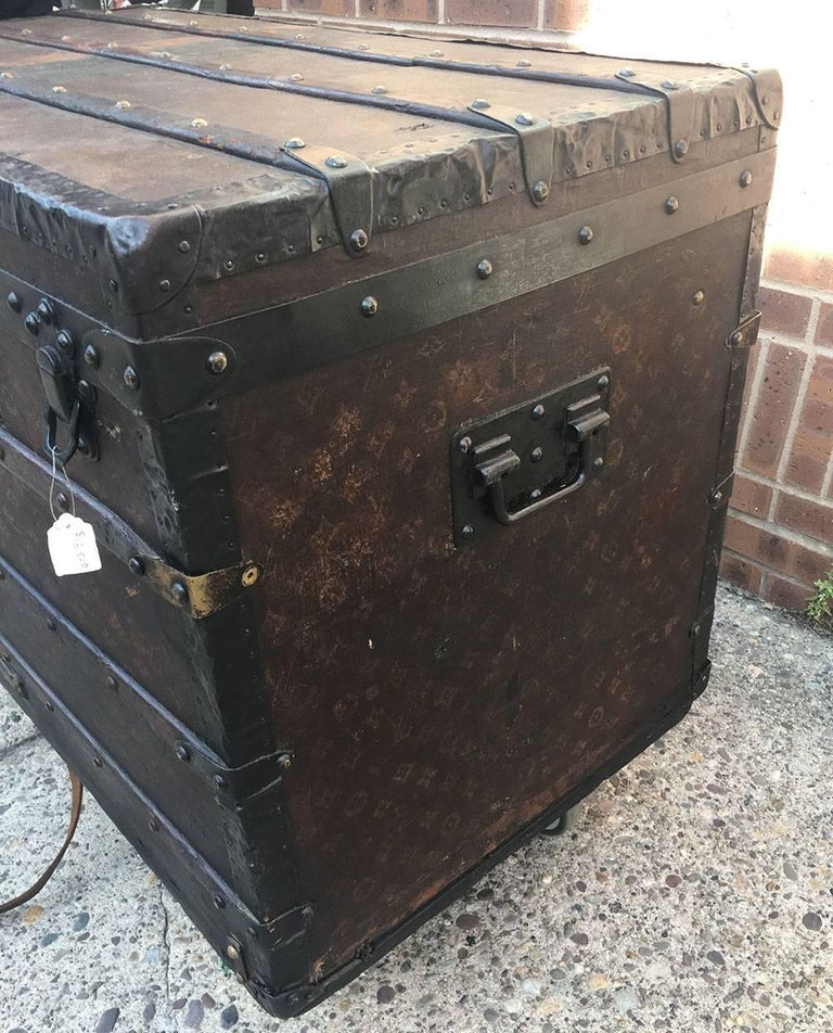LOUIS VUITTON Antique Steamer Trunk with Orange Green Stripe c1900 For Sale 4