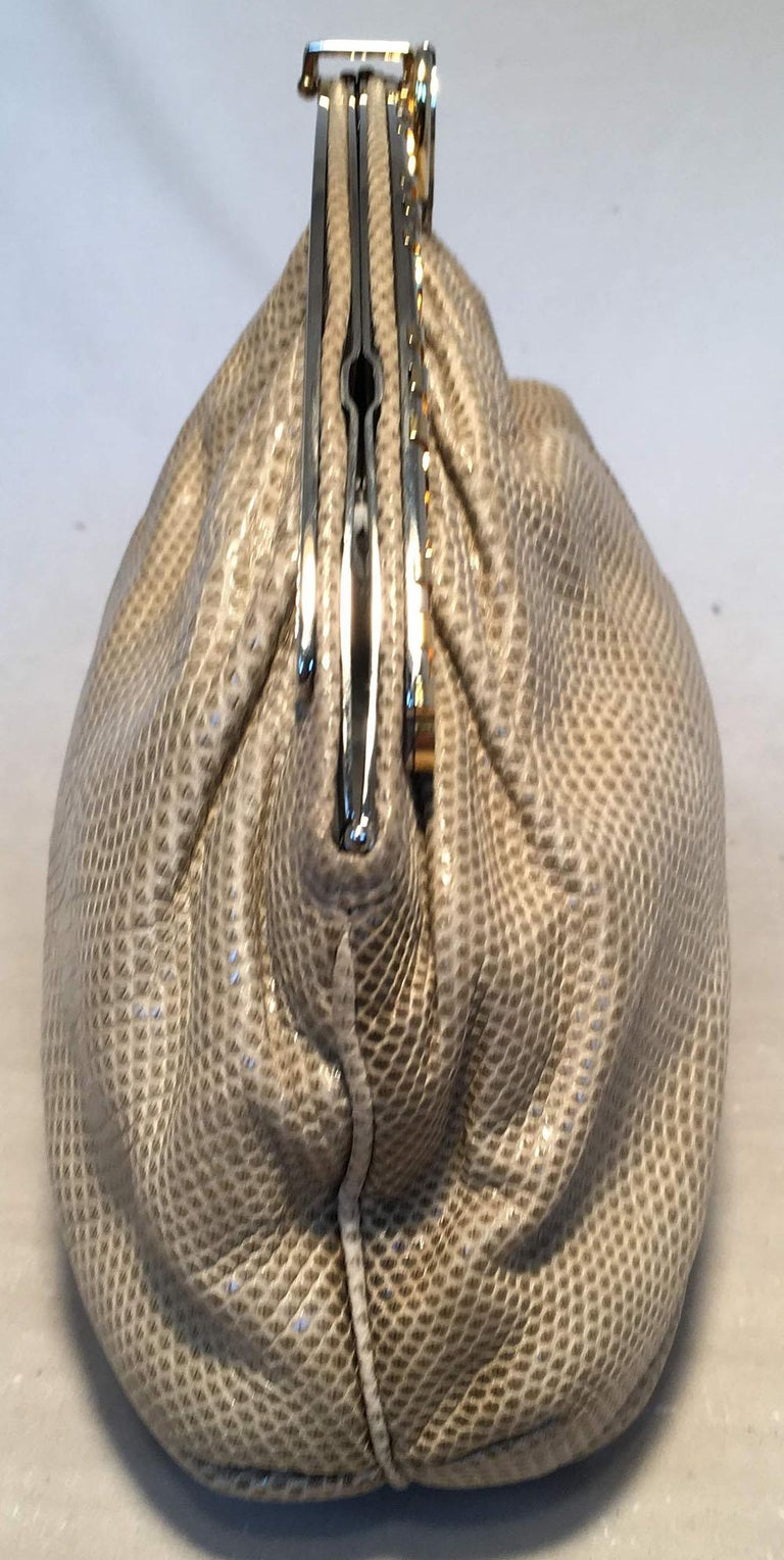 Judith Leiber Vintage Beige Lizard Oversized Clutch In Excellent Condition For Sale In Philadelphia, PA
