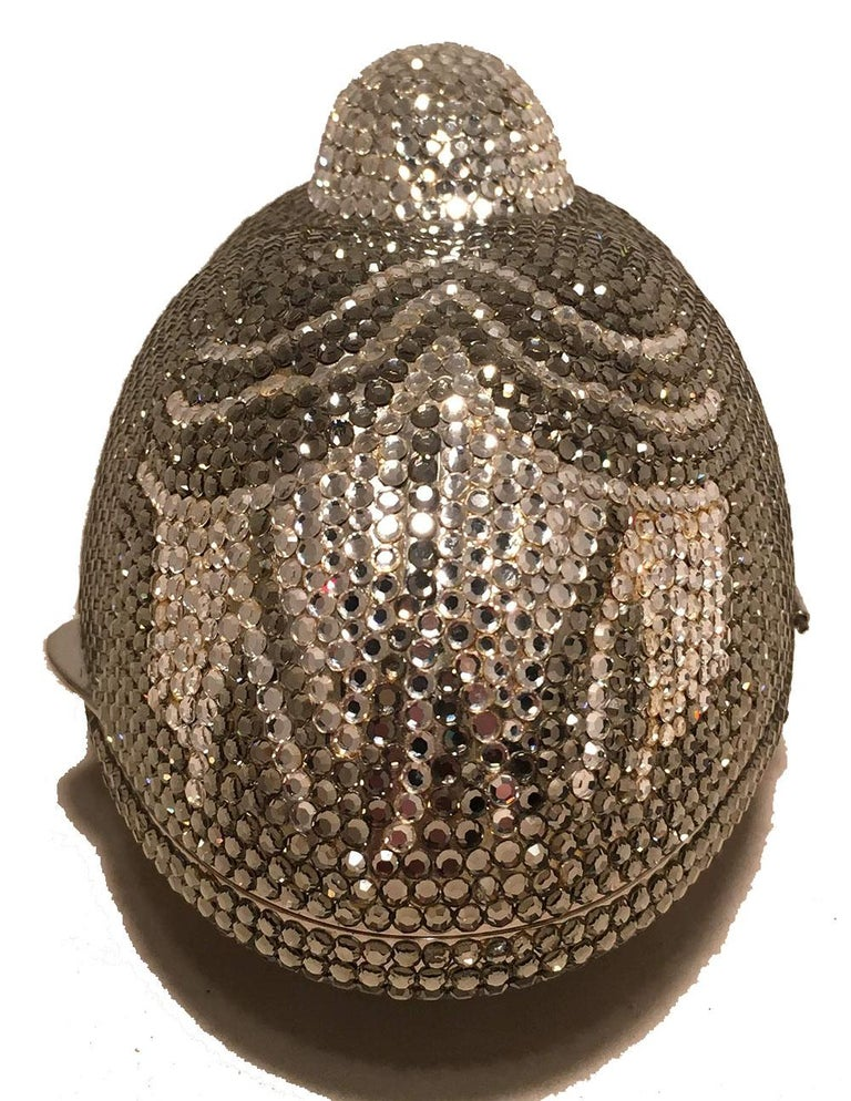 Judith Leiber Vintage Silver and Gray Swarovski Crystal Sitting Duck Minaudiere In Excellent Condition For Sale In Philadelphia, PA