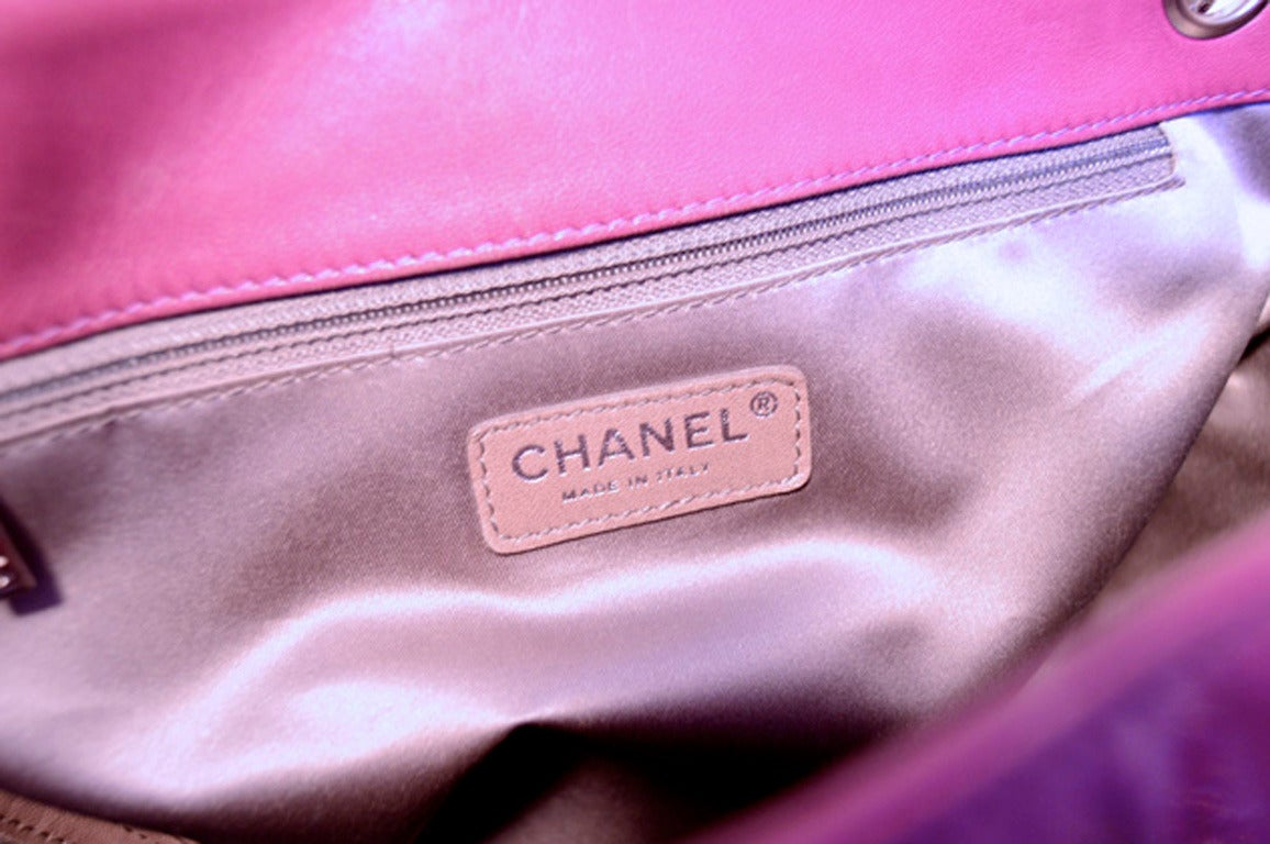 Chanel Purple Patent Leather Shoulder Bag Tote For Sale 4